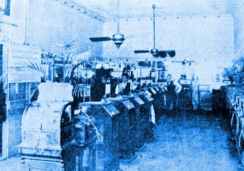 1894デトロイトのキネトスコープパーラー.JPG
