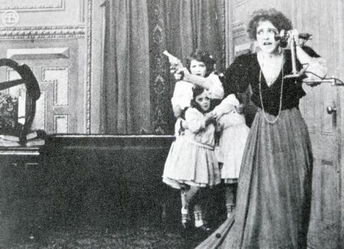 1909 寂しい別荘 メアリー.JPG